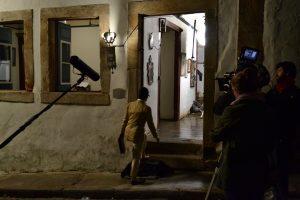 Glória Pires em filmagens do filme Flores Raras, de Bruno Barreto. No filme ela interpreta a arquiteta Lota Soares, namorada de Elizabeth Bishop que morou no Pouso