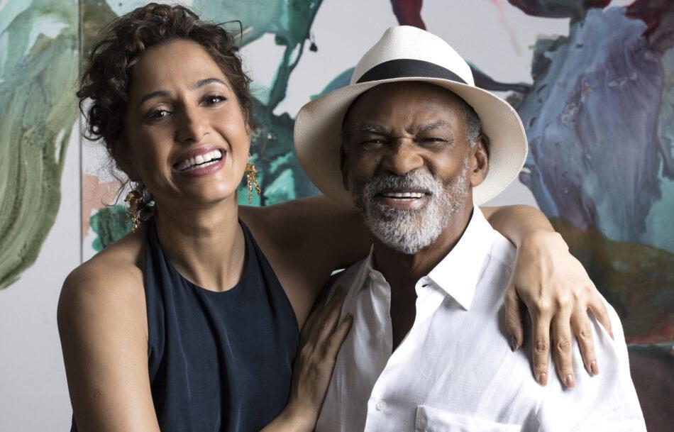 Camila Pitanga e o pai, Antônio Pitanga, homenagedos da 23ª Mostra de Cinema de Tiradentes, em clique de Leo Lara